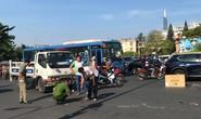 Xe khách cán chết người phụ nữ bán vé số ở trung tâm TP HCM
