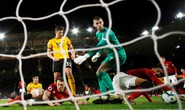 Vua thẻ ra oai, Man United gục ngã trước Wolverhampton