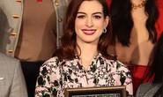 Quý cô lừa đảo Anne Hathaway sung sướng nhận sao