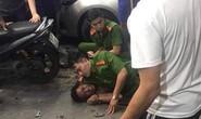 Kẻ nghi ngáo đá xông vào chém vợ chồng chủ quán, gây thương tích thượng úy cảnh sát