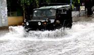 TP HCM: Mưa trắng trời trưa cuối tuần, khu nhà giàu Thảo Điền lại ngập