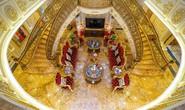 Xôn xao trước dinh thự ở Thanh Hóa có toàn bộ nội thất mạ vàng