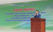 Hơn 1.200 học sinh nghỉ học đón nhà báo quốc tế, tiến sĩ Lê Hoàng Anh Tuấn