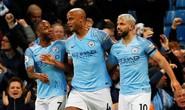 Kompany lập siêu phẩm, Man City soán ngôi đầu của Liverpool