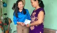 Bình Dương: Tặng quà cho công nhân bị tai nạn lao động