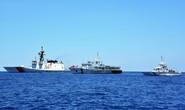 Mỹ nắn gân Trung Quốc trên biển Đông