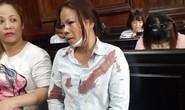 Chồng giết người, vợ bị đánh giữa tòa
