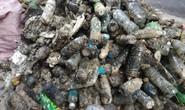 CLIP: Kinh hãi rác chết người' dưới lòng cống ở TP HCM