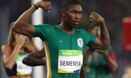 Bị cấm chạy 800m, cô nàng vạm vỡ chiến thắng cự ly 2.000m