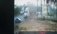 Rùng mình clip container lùa ôtô khiến 5 người tử vong tại chỗ