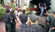 Cảnh sát đột kích quán karaoke, đưa khoảng 80 dân chơi đi test ma túy