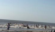 2 du khách chết đuối và mất tích khi tắm biển lúc sáng sớm ở Thanh Hóa