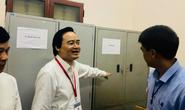 Bộ trưởng Bộ GD-ĐT trực tiếp kiểm tra tổ chức thi