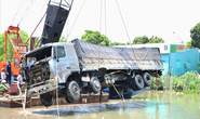 Vụ xe tải gây sập cầu BOT: Lấy nguồn dự trữ bắc lại nhịp chính