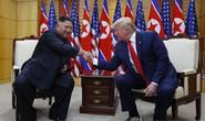 Ông Trump bị các đối thủ chỉ trích vì chuyến thăm DMZ