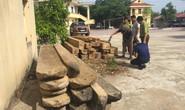 Truy đuổi xe chở gỗ lậu, kiểm lâm bị lâm tặc dùng đá đập vào đầu cấp cứu