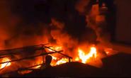 Cháy chợ kinh hoàng, gần 50 ki ốt thành tro