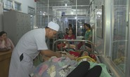 Hàng trăm người nhập viện sau khi ăn cưới