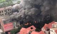 Cháy lớn 4 nhà liền kề gần Công viên Thiên đường Bảo Sơn