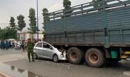 Xe con lọt gầm xe tải, tài xế tử vong tại chỗ