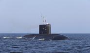 Tàu ngầm Nga bốc cháy, nhiều người chết ngạt