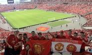 Người hâm mộ Việt Nam sang Singapore tiếp lửa Man United đánh bại Inter