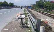 Nhặt ve chai, mẹ ca sĩ Châu Việt Cường bị tàu hỏa tông tử vong
