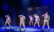Năng lượng từ boy band nổi loạn CZB khiến Tùng Dương thấy mình trẻ lại