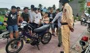 Hơn 20 thiếu niên phóng xe bạt mạng, thách thức CSGT