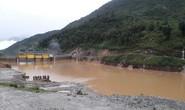 Thủy điện xả lũ bất ngờ lúc rạng sáng, 50 nhà dân ngập úng