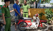 Trộm xe gắn máy để đi trộm bò