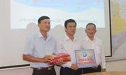 Thêm 5.000 lá cờ Tổ quốc đến tay ngư dân Bạc Liêu