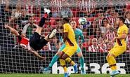 La Liga mở màn nóng, chân sút 38 tuổi hạ gục nhà vô địch Barcelona