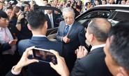 Thủ tướng Malaysia lái thử xe Vinfast ở tốc độ 100 km/giờ