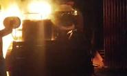 Máy gặt lúa mới mua giá 312 triệu đồng của bí thư thôn bị cháy rụi trong đêm