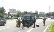 [CLIP] - Hiện trường xe tải lao tới kéo lê xe máy ở quận 2, người phụ nữ chết thương tâm