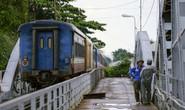 Cầu sắt Bình Lợi đón chuyến tàu cuối cùng trước ngày tháo dỡ