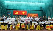 Phó Thủ tướng Thường trực Trương Hòa Bình tặng quà học sinh dân tộc Chăm TP HCM
