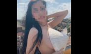 Bị ném đá, cô gái khỏa thân bôi bẩn Hội An xóa clip, tắt bình luận