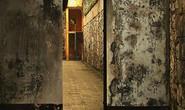 Quản giáo quên khóa cửa buồng giam để nữ phạm nhân phạm tội rất nghiêm trọng bỏ trốn