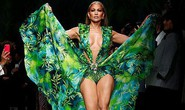 "Jennifer Lopez hở ""tứ bề"" trên sàn catwalk"