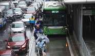 Đường riêng cho xe buýt gây ùn tắc hơn?