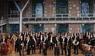 Nhạc trưởng huyền thoại làng nhạc cổ điển thế giới biểu diễn ở Hồ Gươm