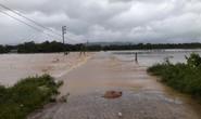 Nhiều xã bị chia cắt cục bộ, thủy điện Hố Hô bắt đầu xả lũ
