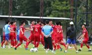Đội tuyển Việt Nam tập luyện hào hứng, sẵn sàng bắt chết Messi Thái