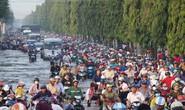 TP HCM và Cần Thơ: Chật vật với nước ngập