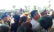 Vụ hỗn chiến ở biển Hải Tiến: Hàng chục người của Nhà hàng Hưng Thịnh 1 kéo tới tòa