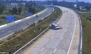 Vừa rời sân bay, 8 du khách Anh bị xe buýt quăng trên cao tốc