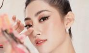 Hoa hậu Lương Thuỳ Linh duyên dáng diện áo dài du xuân