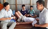Vượt gần 400 km để giúp đỡ gia đình em học sinh nghèo gặp biến cố